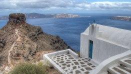 Agios Giorgios Chapel next to Skaros Rock
