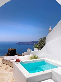 Tholos Resort Jacuzzi Suite